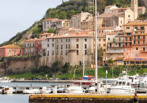 Video: flying over Porto Ercole in the Argentario, Tuscany