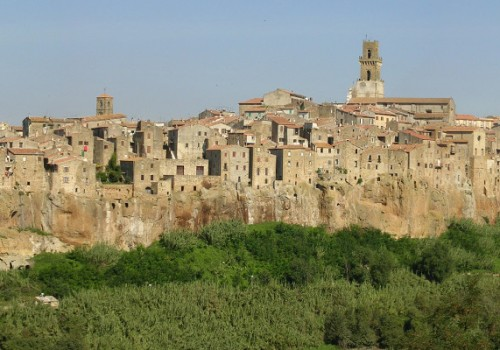 Secret Tuscany: wine tasting festival and … ancient caves!