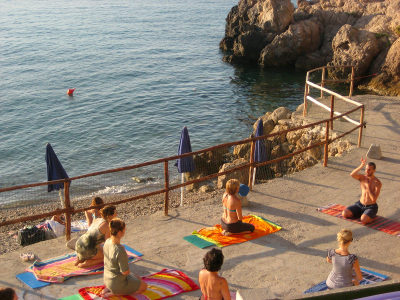 Yoga by the Tuscan sea