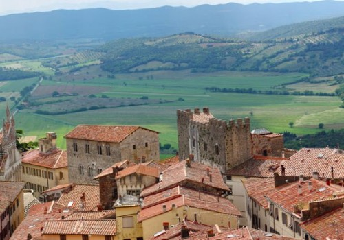 Slow food, arts and treasure hunt in Massa Marittima