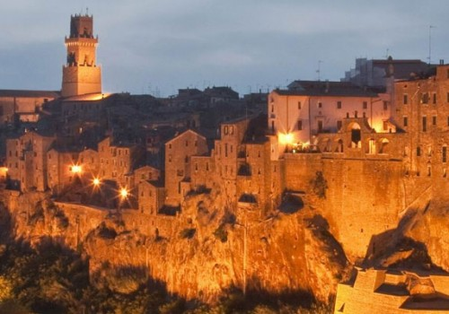 Visiting Pitigliano, the tufa rock medieval town!