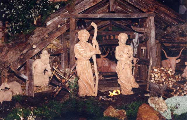 Terracotta statues in Montorsaio Nativity Scene