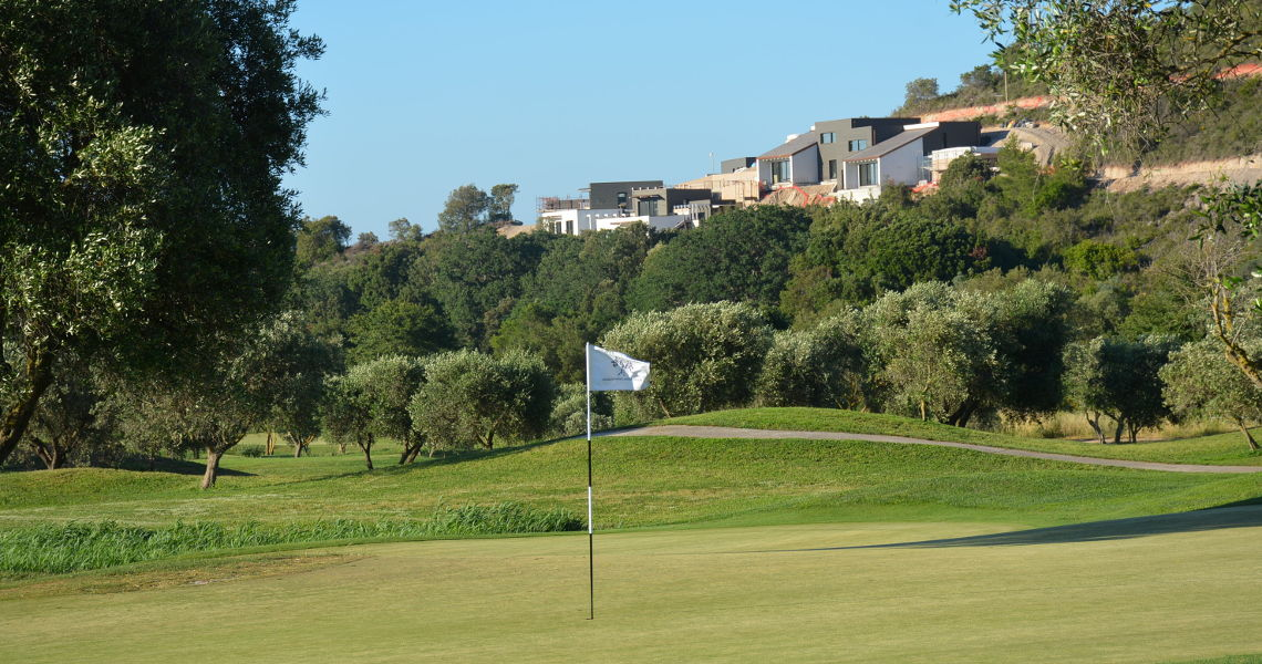 luxury golf villas italy